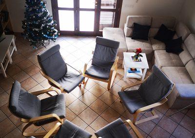 Krzesła w salonie
