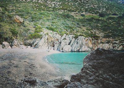 Plaża z widokiem na góry